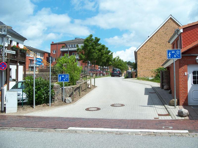 Bau Neubausiedlung mit Spielstrasse